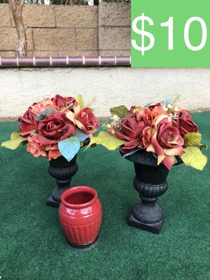 2 FLORAL HOME DECOR PIECES + RED VASE (SELLING ALL FOR $10) for Sale in Corona, CA