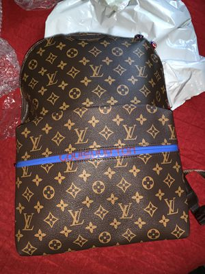 Louis Vuitton's Men's special edition book bag for Sale in Wheaton, MD