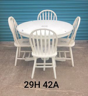Table and chairs for Sale in Katy, TX