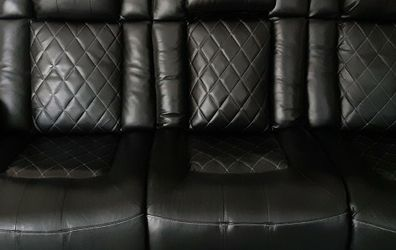 Power Recliner Couch for Sale in Kissimmee,  FL