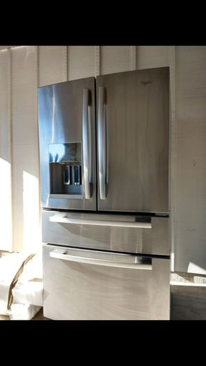 Whirlpool refrigerator almost new barely used for Sale in Lynnwood, WA