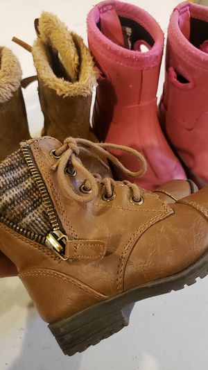Toddler girl boots 3 pairs size 6 for Sale in Elgin, IL