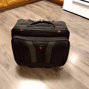 "Wenger 16"" Laptop Bag On Wheels for Sale in Chicago, IL"