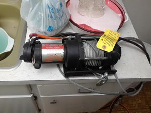 Warner winch for Sale in Hollywood, FL
