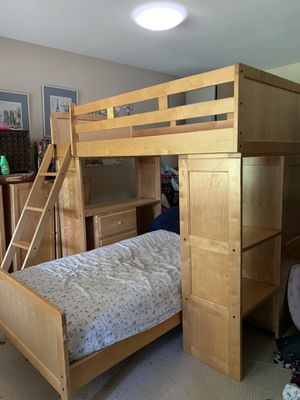Bunk bed set for Sale in Oakland, CA