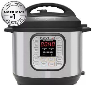 Instant Pot Duo 6qt 7-in-1 Pressure Cooker for Sale in Washington, DC