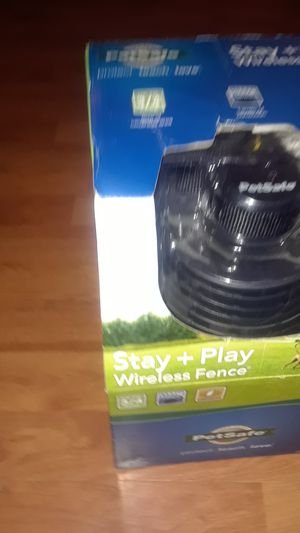 STAY + PLAY WIRELESS PET FENCE for Sale in St. Louis, MO