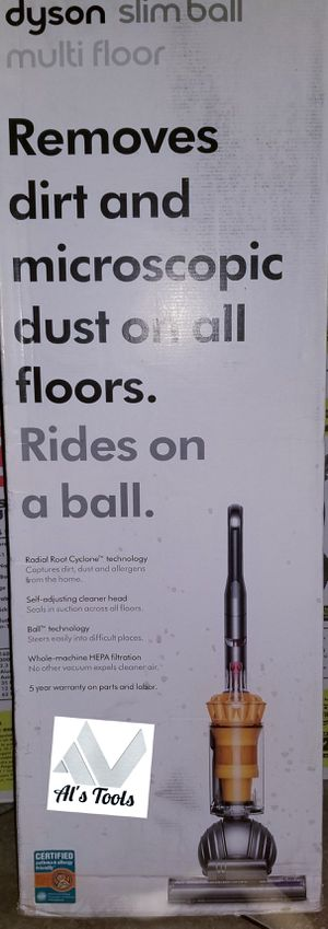 Dyson light ball multi-floor corded vacuum for Sale in Paramount, CA