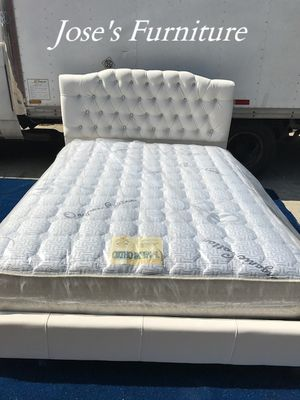 Queen Size Faux Leather Bed (Mattress Included) for Sale in Lynwood, CA