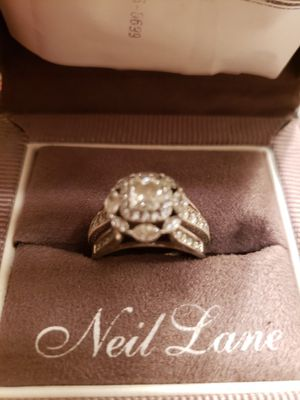 2.0 k 18 kt white gold engagement plus band for Sale in Millville, NJ