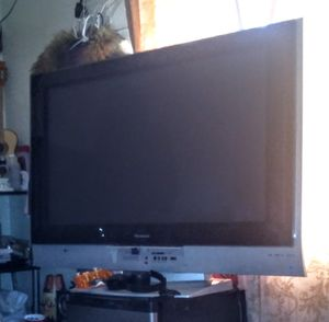 SILVER PANASONIC TV for Sale in Long Beach, CA