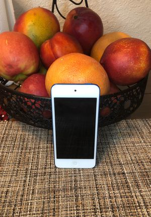 iPod touch,apple,6th generation for Sale in Fresno, CA