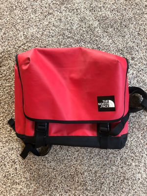 The North Face, messenger bag for Sale in Everett, WA