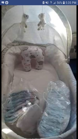 Bassinet /Diapers for Sale in Lynwood, CA