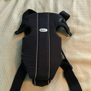 Babybjorn baby carrier active used for Sale in Los Alamitos, CA