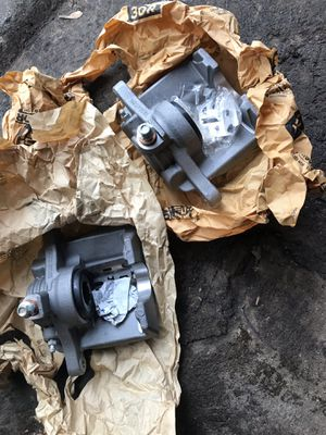 Chevy Blazer Rear Calipers for Sale in Chicago Heights, IL