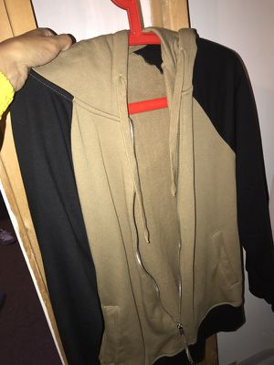 Zip up hoodie for Sale in Bolingbrook, IL