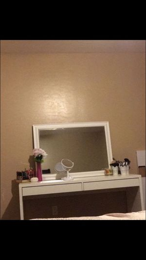 Makeup vanity (desk with big mirror and personal mirror included) for Sale in Phoenix, AZ