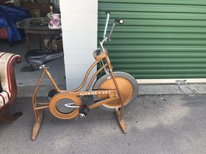 Vintage Schwinn XR 7 exercise bike for Sale in Greenbrier, TN