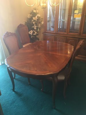 Table and chairs for Sale in Alexandria, VA