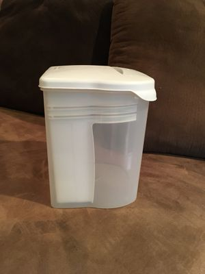 Rubbermaid Homemade Bread Keeper Box for Sale in Houston, TX