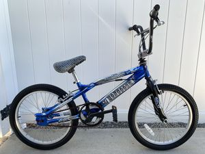 """Mongoose BMX """"Outer Limit"""" 20"""" bicycle freestyle Bike Blue & Silver for Sale in Hemet, CA"""