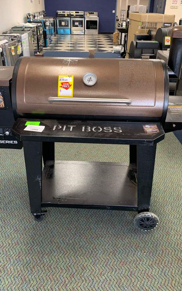 Pit Boss pro series! Pellet grill! Brand new with warranty!! PB1100PS1 9P