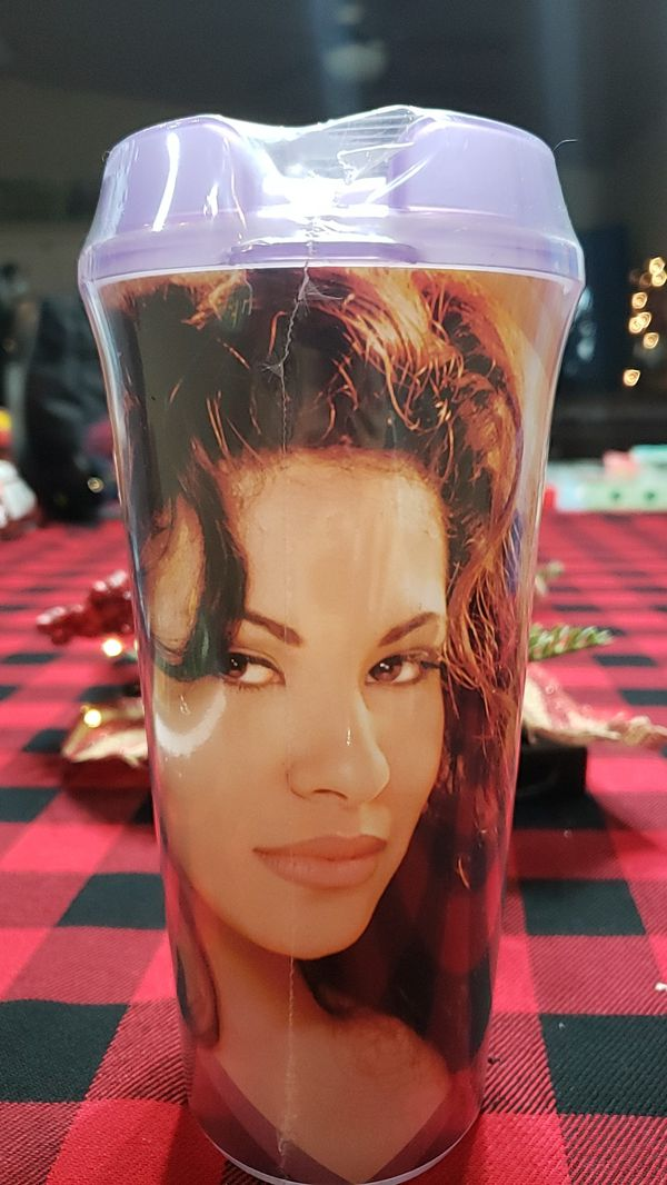 Selena cup