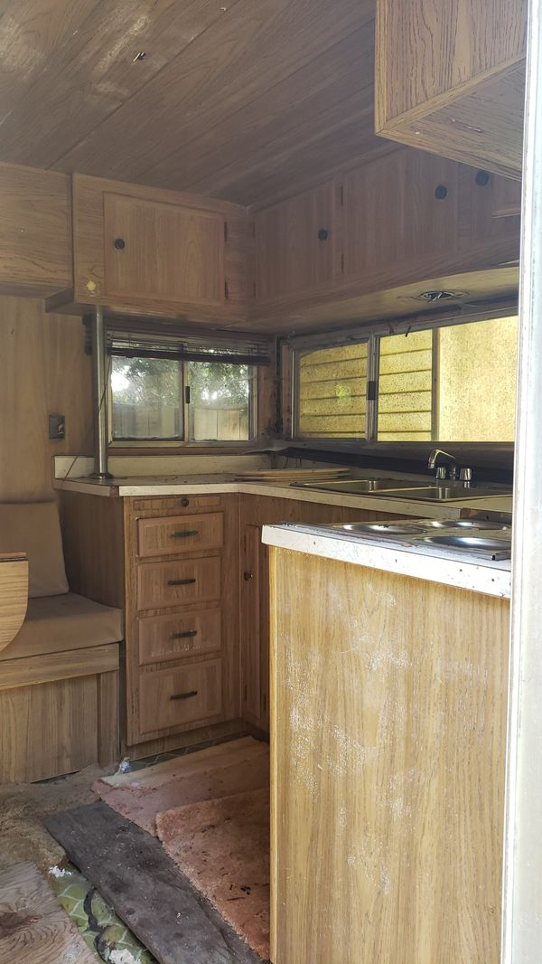 Still available if you can come today....Ideal travel trailer - sleeps 6