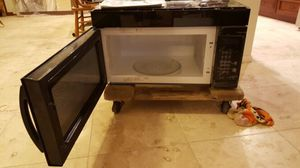 1100 watt under counter microwave for Sale in Scottsdale, AZ