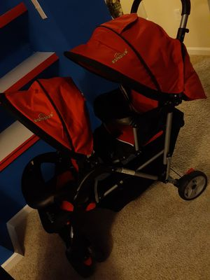 Double stroller red and black for Sale in Berwyn Heights, MD