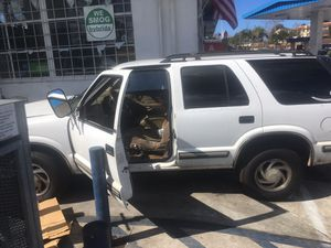 1998 4x4 Chevy Blazer V-6 for Sale in San Diego, CA