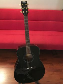 Yamaha Steel String Guitar for Sale in Los Angeles,  CA