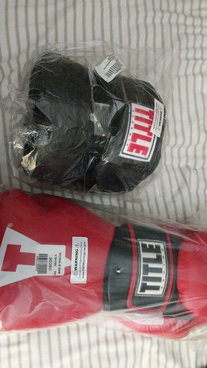 Title boxing headgear and gloves for Sale in San Diego, CA