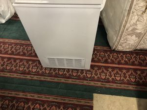 IDYLIS HOUSEHOLD FREEZER for Sale in Laguna Woods, CA