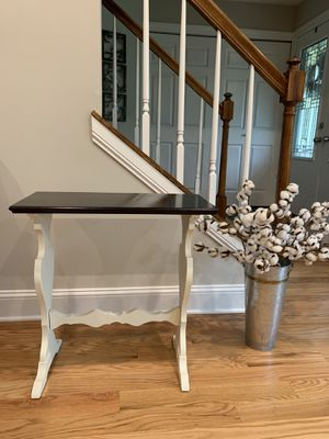 Farmhouse style end side table for Sale in Barrington, IL