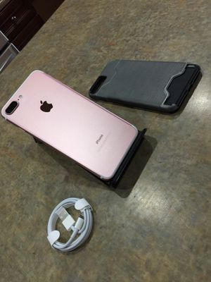 Like new rose gold iPhone 7 plus 32gb unlocked 420obo for Sale in Phoenix, AZ