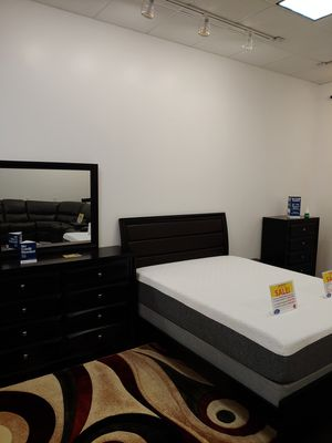 Monte Carlo black bed set queen or king for Sale in Tampa, FL