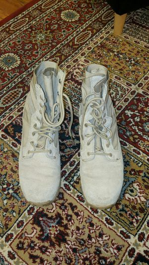 Army Combat Boots, Desert, tan Size 9R for Sale in Laurel, MD