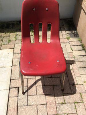 Kids desk chair for Sale in Winter Park, FL