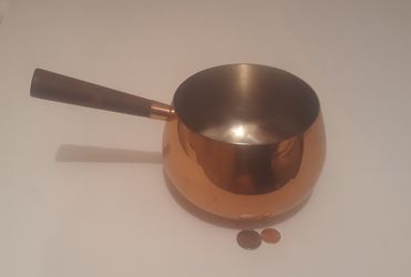 """Vintage Copper Metal Cooking Pot with Wooden Handle, 10"""" Long, and 6"""" x 4"""" Pot Size, Kitchen Decor, Shelf Display, Cooking, for Sale in Lakeside,  CA"""