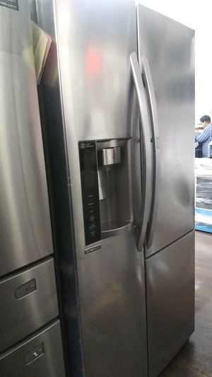 Lg Show Case Refrigerator for Sale in Burbank, CA