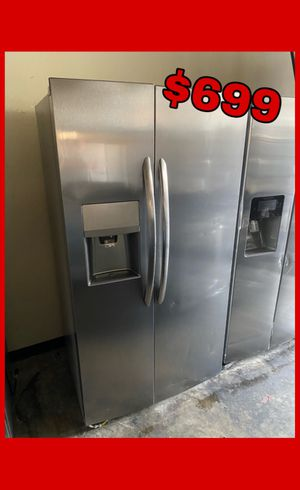 FRIGIDAIRE GALLERY STAINLESS COUNTER DEPTH SIDE BY SIDE FRIDGE for Sale in Santa Ana, CA