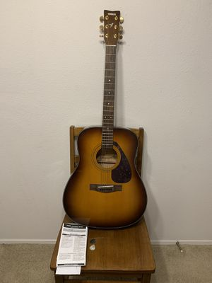 Yamaha F335 Acoustic guitar with user manual for Sale in Bellevue, WA