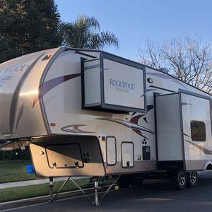 2017 Rockwood 5th Wheel for Sale in Turlock, CA