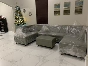 New furniture sectional couch for Sale in Miami, FL