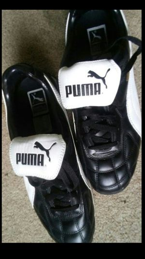 $60 now only Puma size 10.5 mens still like new buyer must come to me no low ballers($60) for Sale in Washington, DC