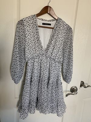 Floral print dress small for Sale in San Tan Valley, AZ