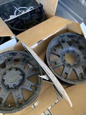 Toyota Tundra black rims for Sale in Mansfield, TX