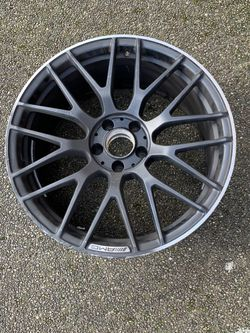 2017 Mercedes Benz AMG C63s Factory Front Wheel for Sale in Vancouver,  WA